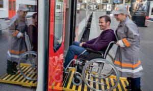 Qualité de l'accueil et de l'assistance aux personnes à mobilité réduite à la SNCB par Martine Constant